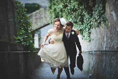 Brautpaar Fotoshooting Treppe Schloss Rapperswil Professioneller Fotograf